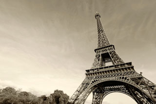 eiffel_tower_000059158860_320