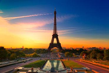 paris-153507216_370
